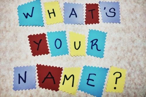 ネーミングで開運 姓名学講座は、姓名学とは、名は体を表す…ということわざがあるように、名前はその物や人の性質や実体をよく表します。つまり、名前は使っているうちにその本体が(心身ともに)名前のように変化していくのです。 名前の現状を知り、マイナス面をリカバリーしていく方法をお伝えしているのが本姓名学です。